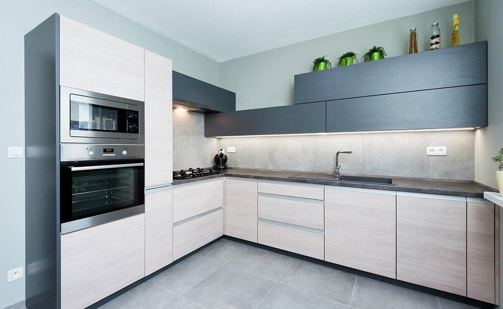 Матовая-кухня-угловая-008
